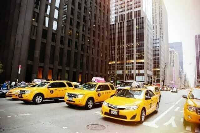 Arbatpinigiai taksi JAV